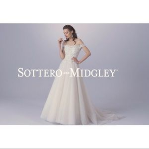 ✨UNUSED✨ Sottero and Midgley Wedding Dress